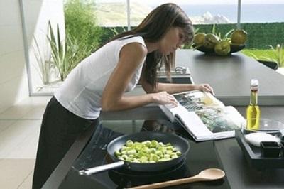 Cách sử dụng bếp từ để tiết kiệm điện nhất