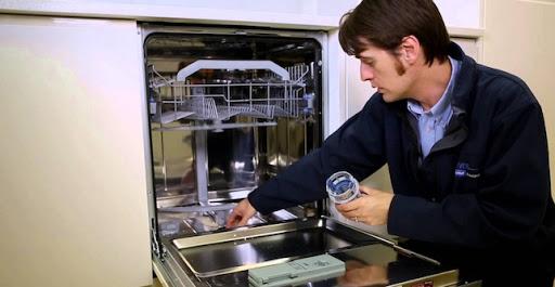 Nguyên nhân và cách khắc phục máy rửa bát phát ra tiếng ồn