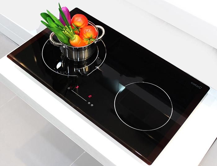 Điện áp yêu cầu, công suất tiêu thụ và nhiệt độ cài đặt của bếp từ