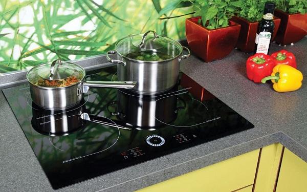 Nên chọn mua bếp từ hay bếp ga cho gia đình bạn